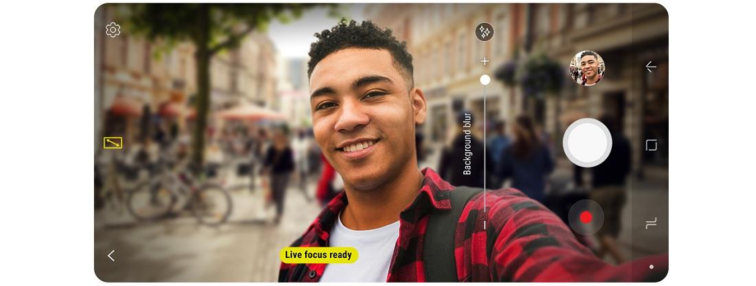 Kamera dual selfie Galaxy A8 2018